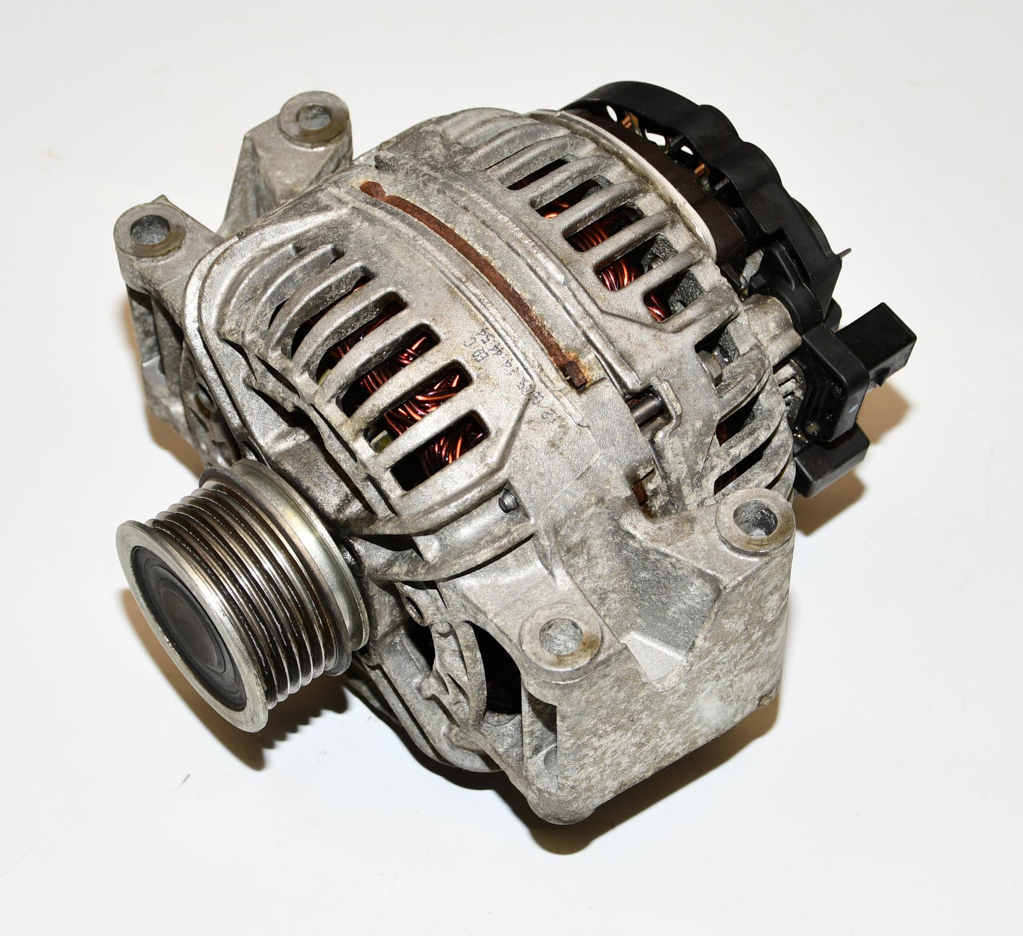 Lichtmaschine Drehstromgenerator  06B903016AB Superb II Kombi 1.8 TSI 118KW
